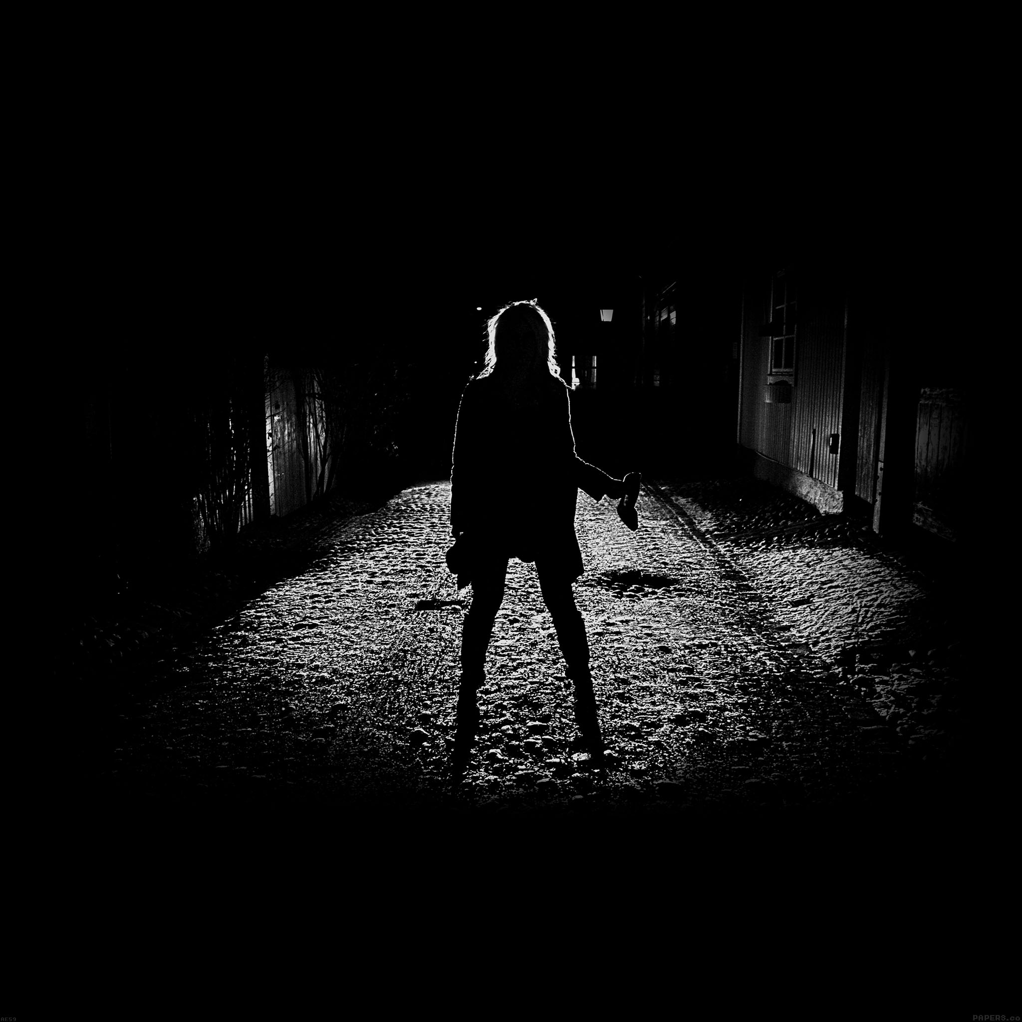 ae59-girl-silhouette-dark-street-scary-maybe - Papers.co