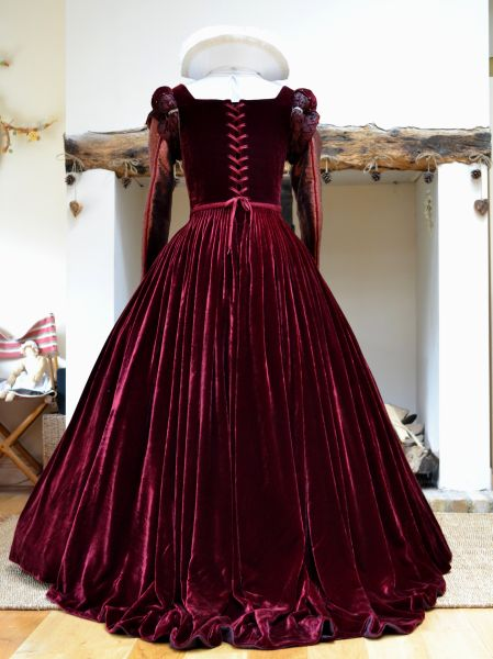 16th Century Jane Eleanor Costumes