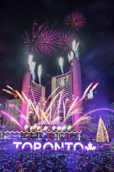 City of Toronto on Twitter   Stunning fireworks display above     Stunning fireworks display above Toronto City Hall at our New Year s Eve  celebration at Nathan Phillips Square  See what s in store this year at