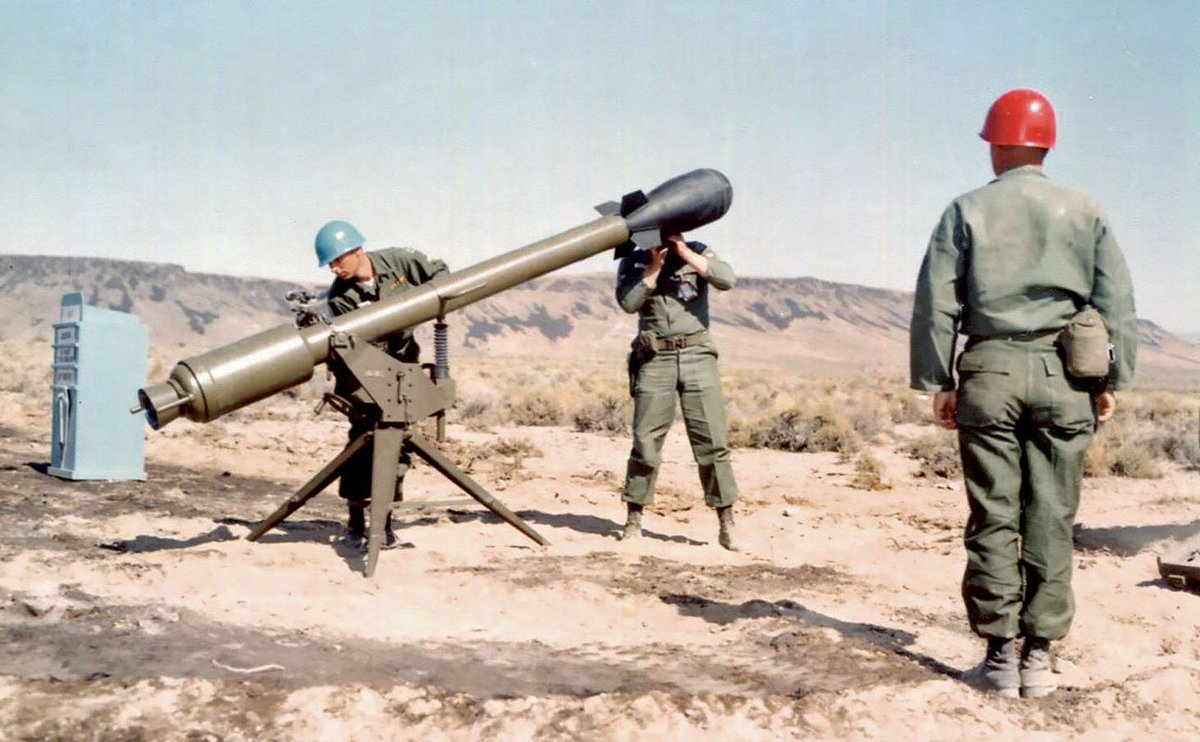 Made 388 Recoilless Nuclear Davy Rifle M Crockett Which 1950s Tactical Was