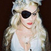 Emerald Fennell (@emeraldfennell) Twitter profile photo