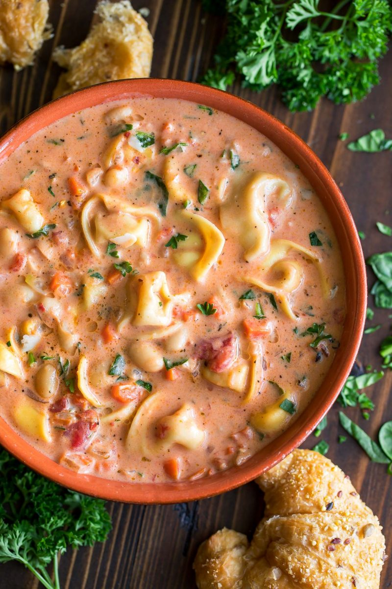 Tuscan Tortellini Soup With Spinach And White Beans Peas