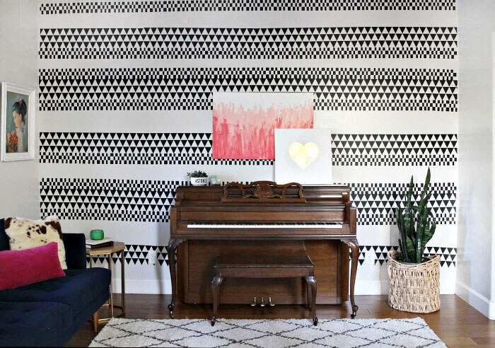 DIY Geometric Accent Wall - create a custom design using vinyl! No mess and easy to remove if you move or want a new look.