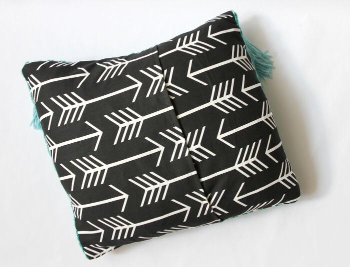woven tassel pillow 1