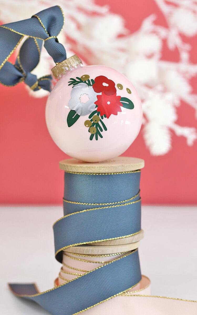 winter-floral-oranments4
