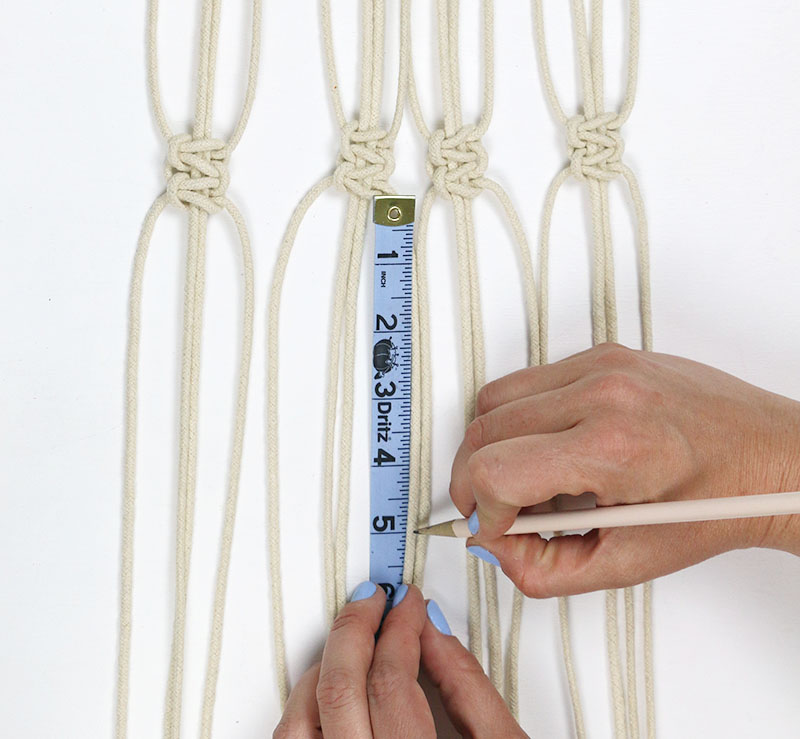 measure for second row - diy macrame plant hanger