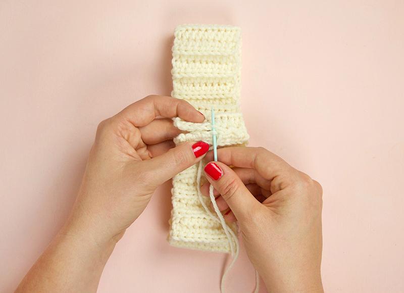crochet beanie - sew brim together