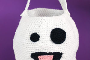 Cute Crochet Emoji Ghost Bag – Free Halloween Crochet Pattern!