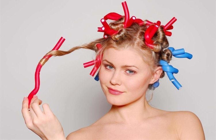 Hvordan man bliver hår på hår krølle hjemme, metoder og teknikker