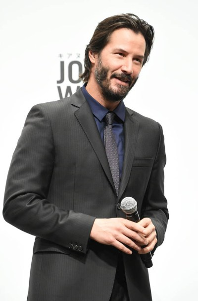 Keanu Reeves in Japan with his girlfriend to promote John ...