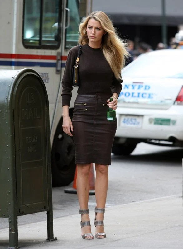 Sasha Finds Blake Lively S Black Leather Zipper Skirt