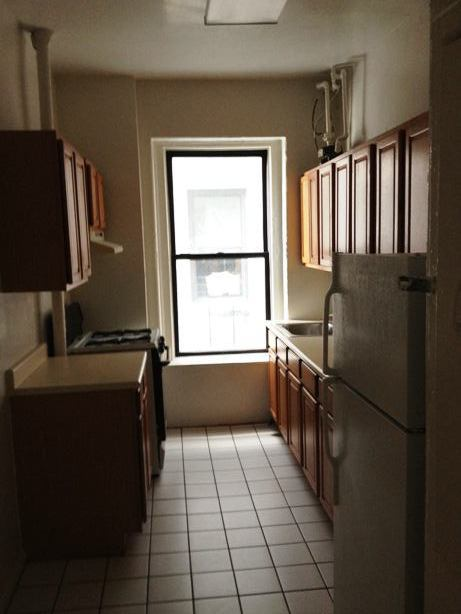 925 120 Sq Ft Bedroom In 3 Br Apt Room To Rent From