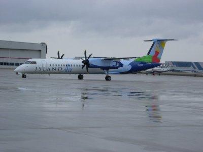 Island Air Q400 In GRR Headed To Hawaii — Civil Aviation ...