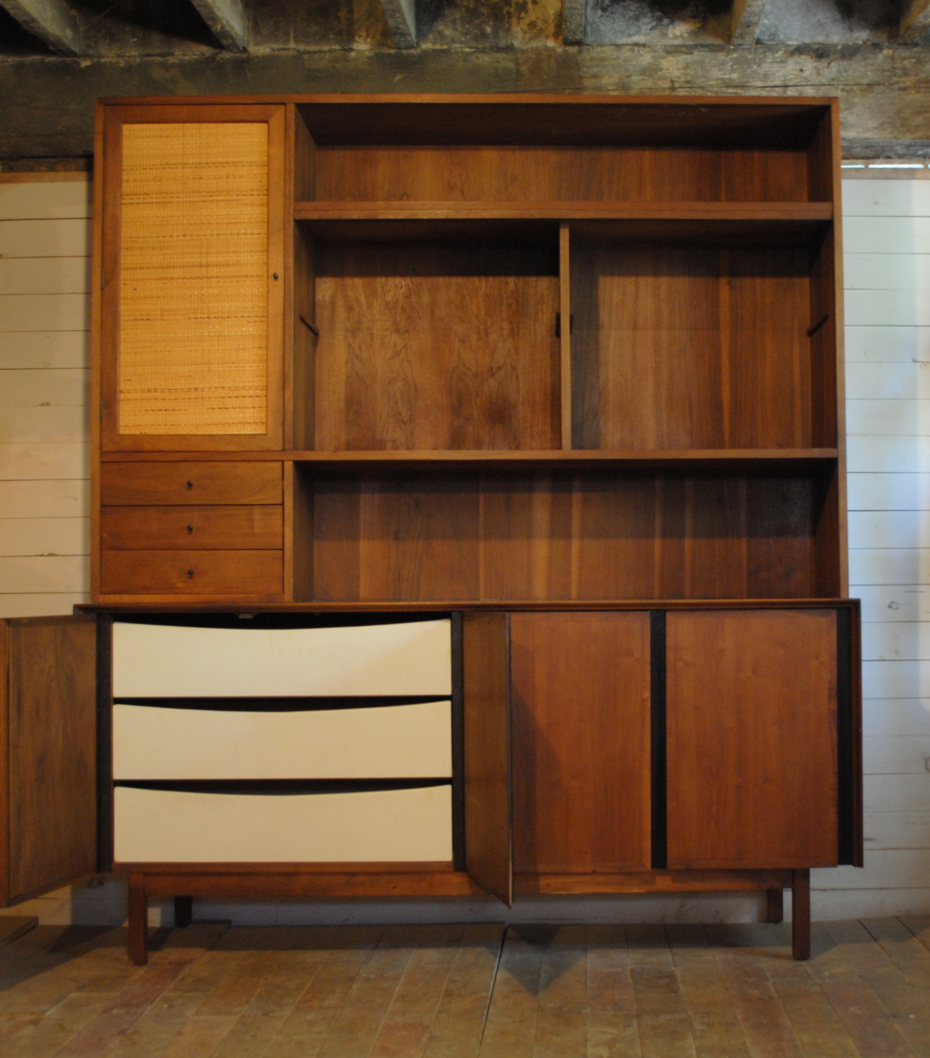 Dillingham Phylum Furniture