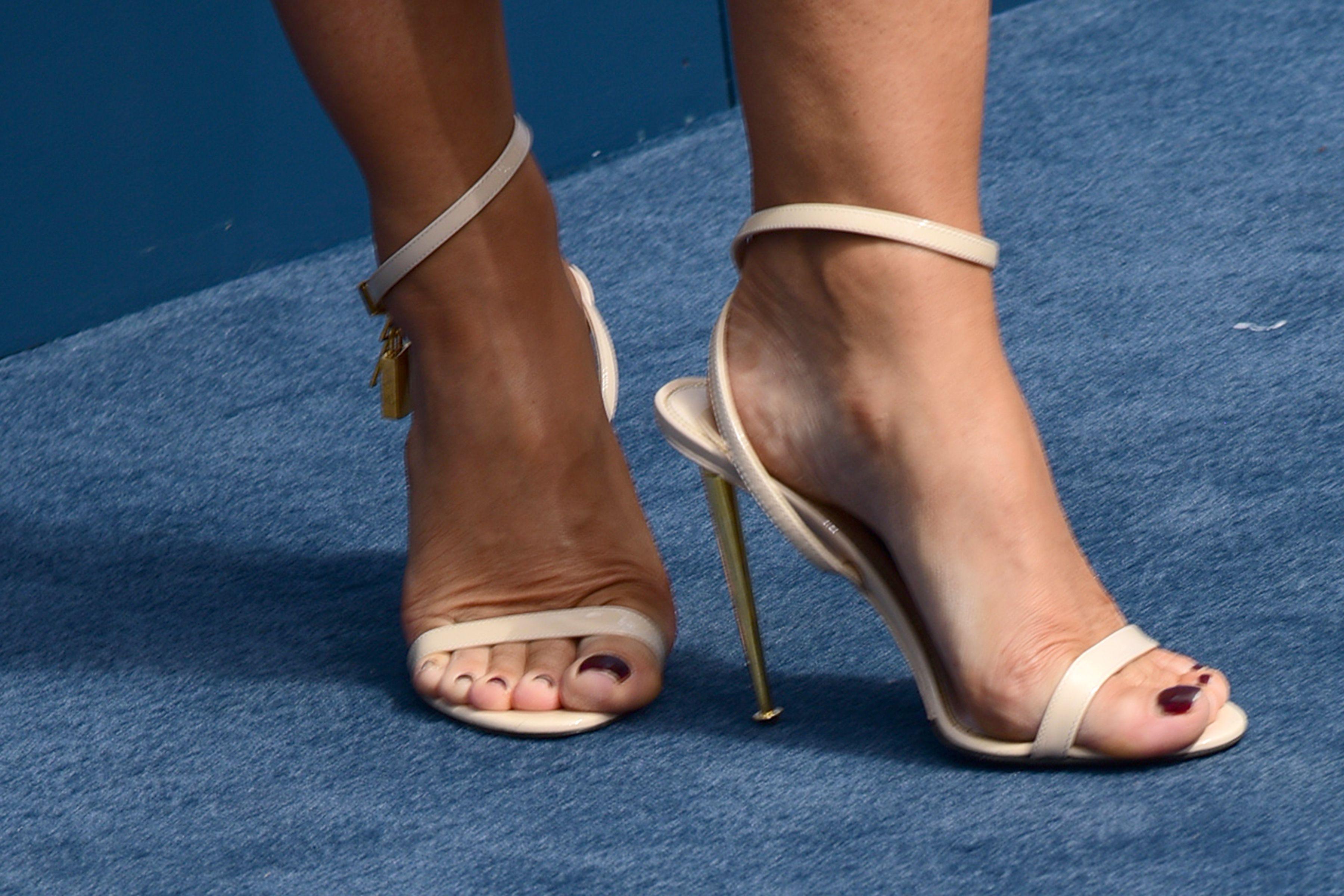 Keira Knightley Barefoot