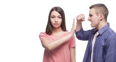 comportamenti comuni agli uomini violenti
