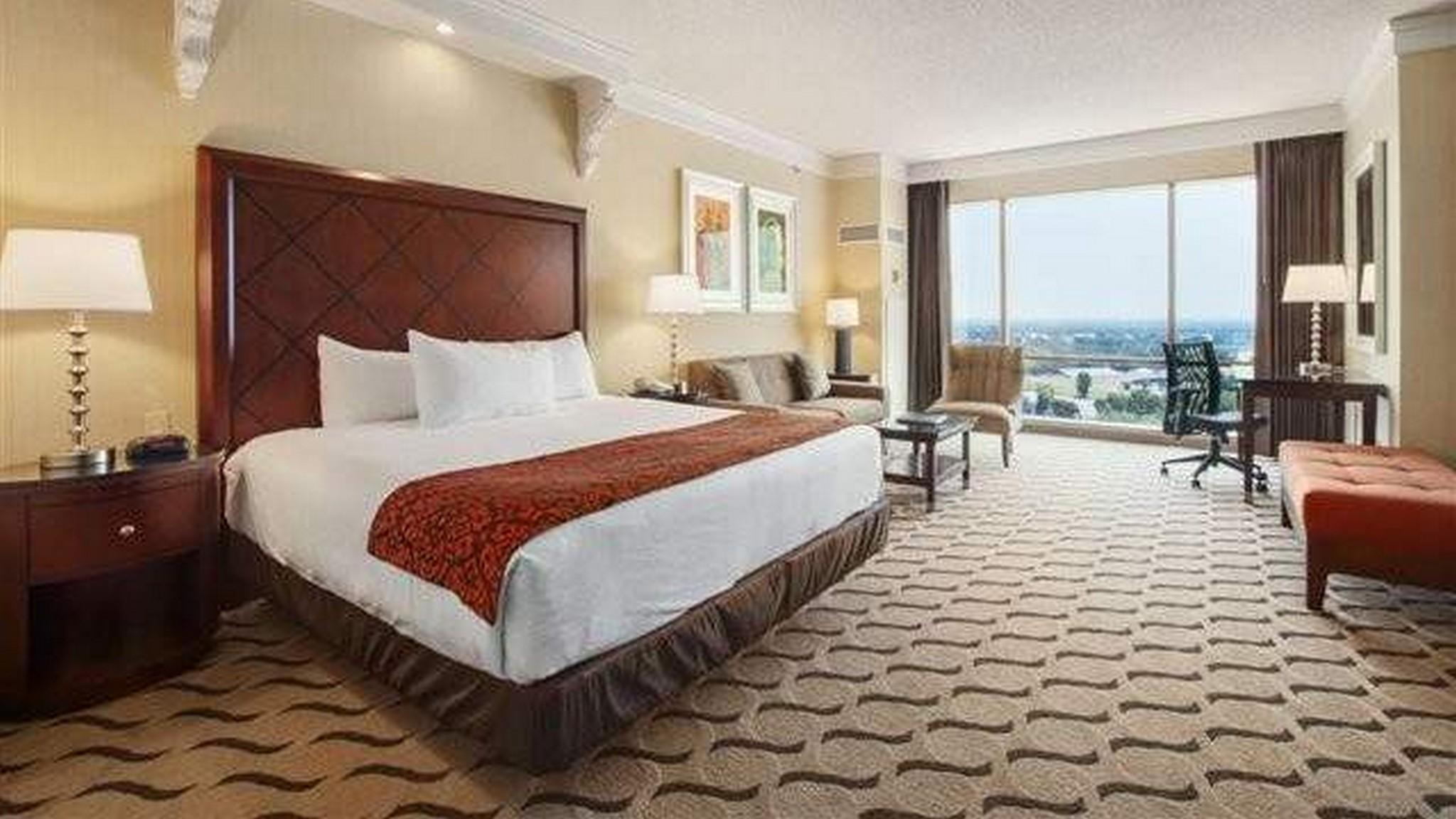 Premium King Room Horseshoe Bossier City