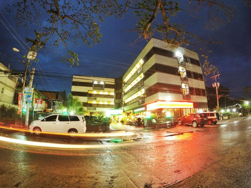 Holiday Plaza Hotel In Tuguegarao City Room Deals