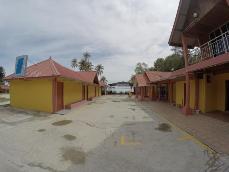 Summer Beach Lodge