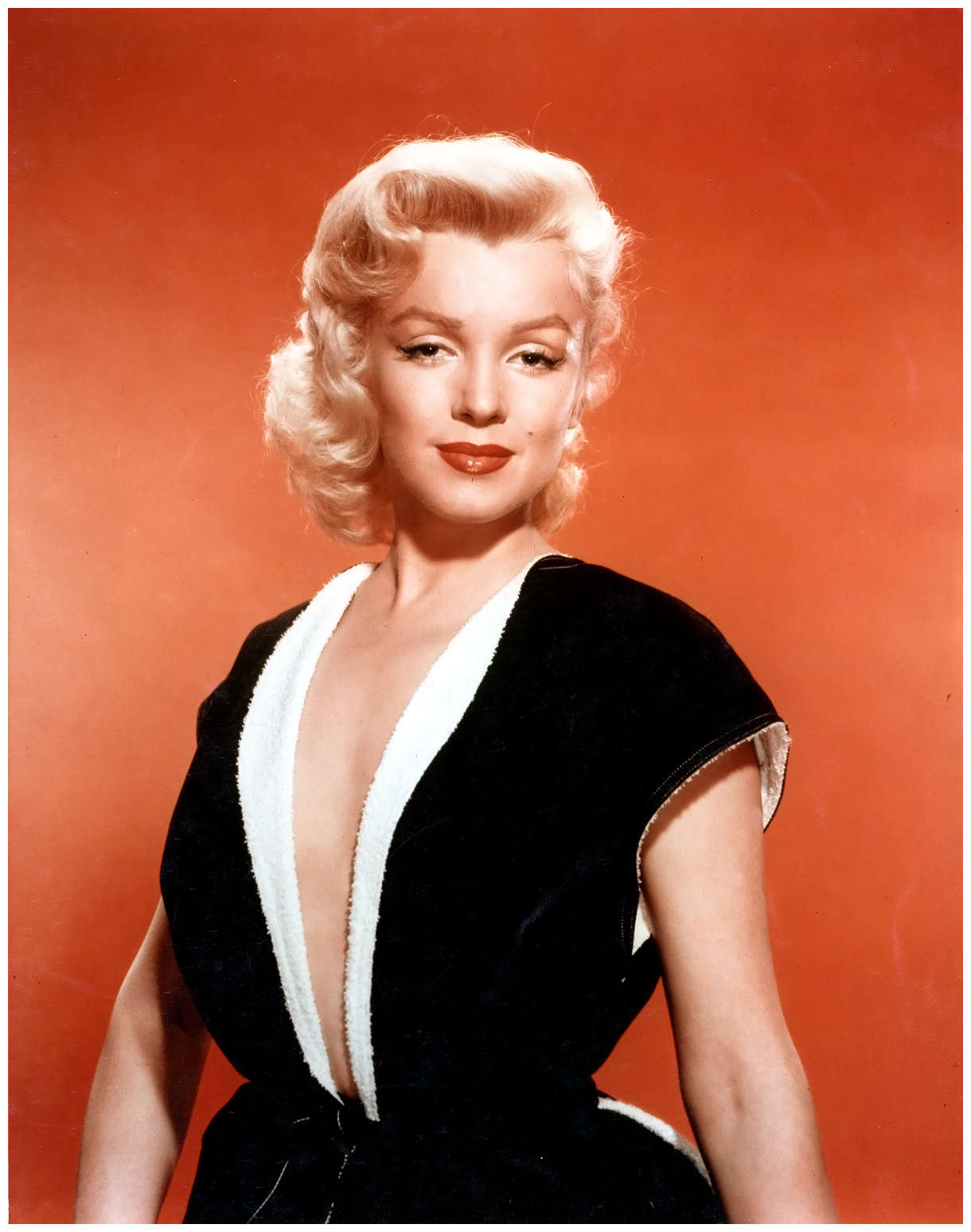 Marilyn Monroe poses for a portrait in circa 1951. (Photo ...