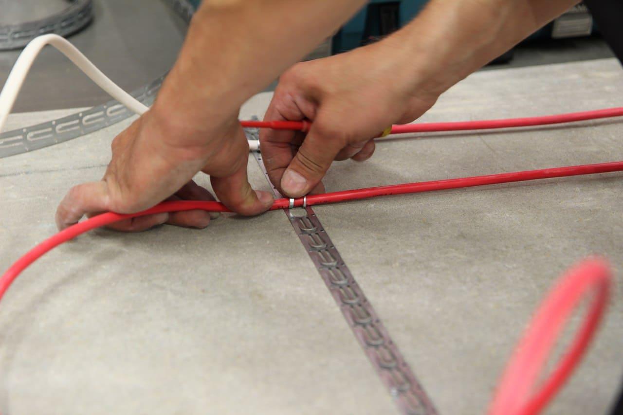 Prinsip pemasangan lantai kabel