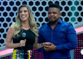 Tati Minerato e Marcelo na final do reality Power Couple Brasil