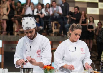 "Hugo e Maria Antonia na prova final do ""Masterchef"" (Foto: Carlos Reinis/Band)"
