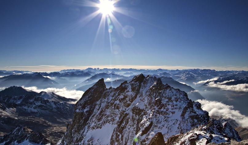 ¿Por qué en la cima de las montañas se encuentra nieve?