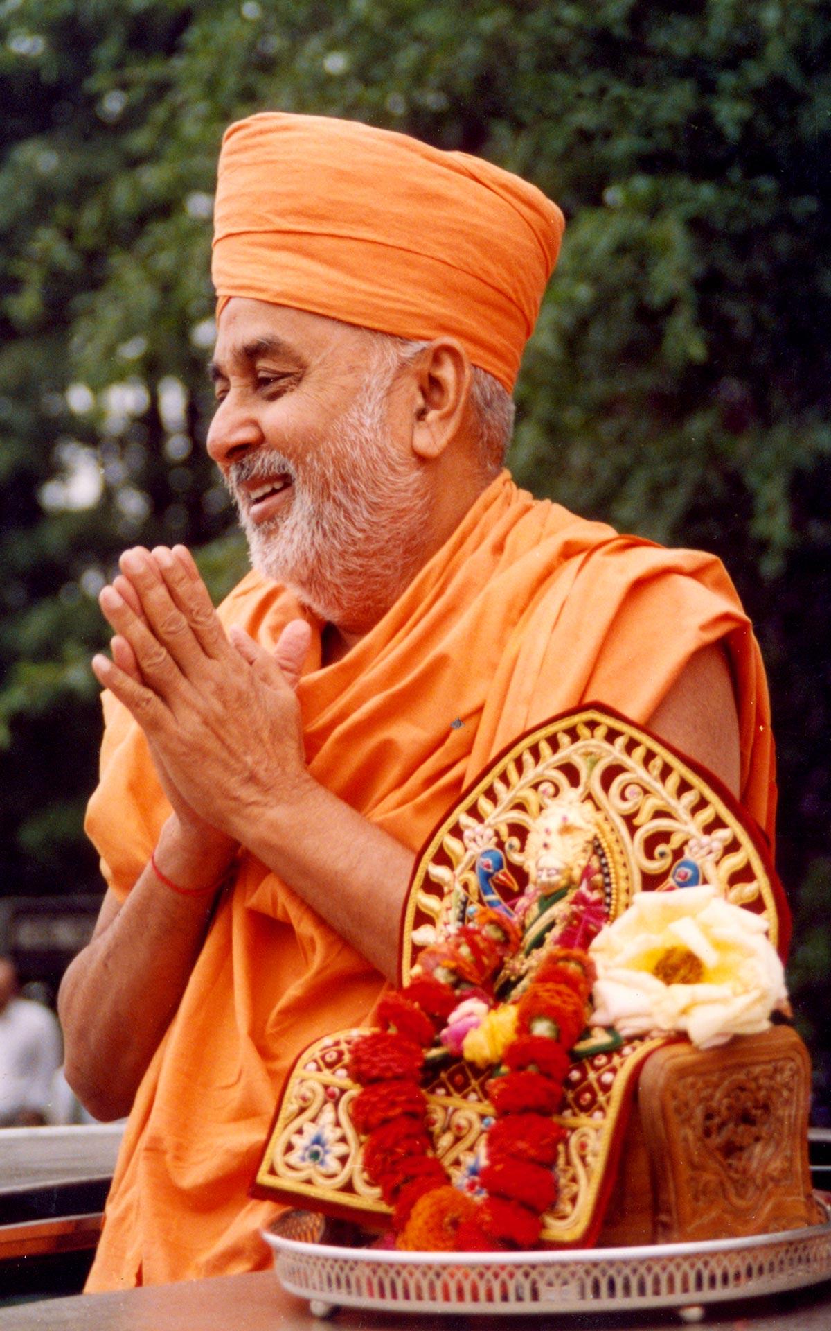 With Divine Hh Pramukh Swami Maharaj