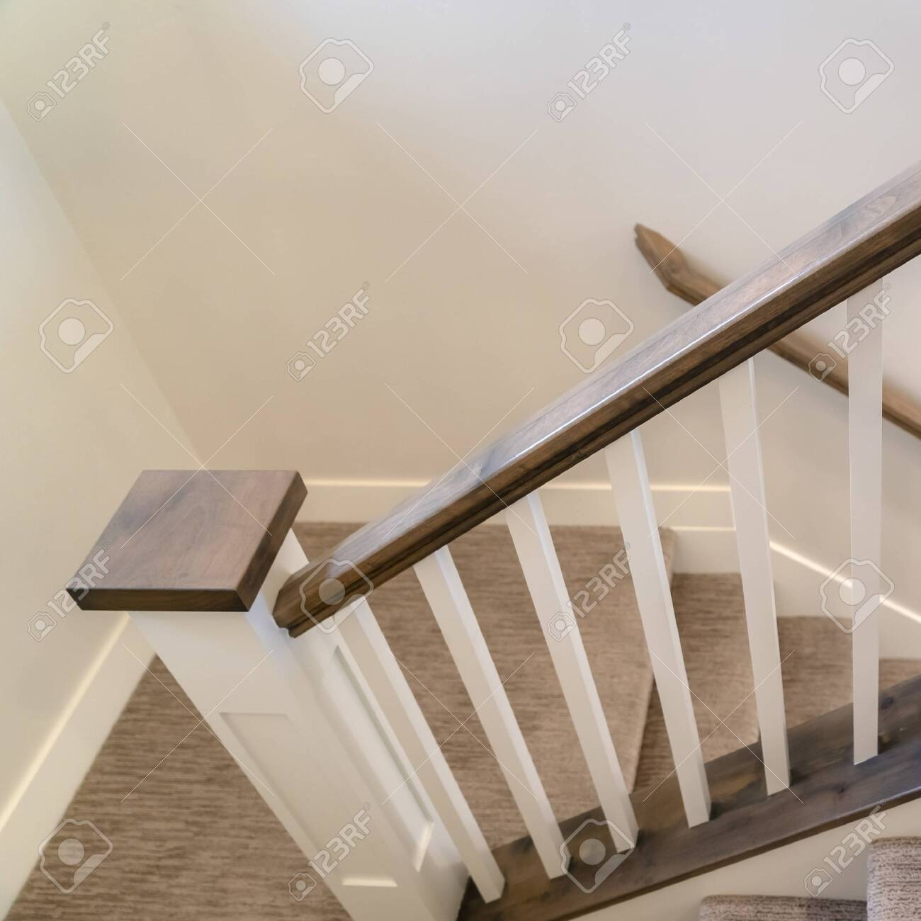 Photo Square U Shaped Indoor Staircase Of Home With Treads And | Square Handrail For Stairs | Balustrade | Outdoor | Hand Rail | Low Cost | Residential