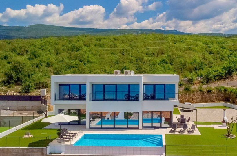 Luxury villa with pool Crikvenica