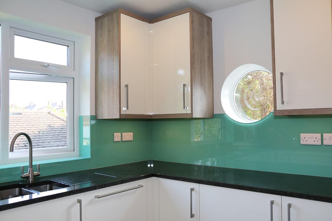 Farrow Amp Ball Kitchen Glass Splashback Coloured In Arsenic