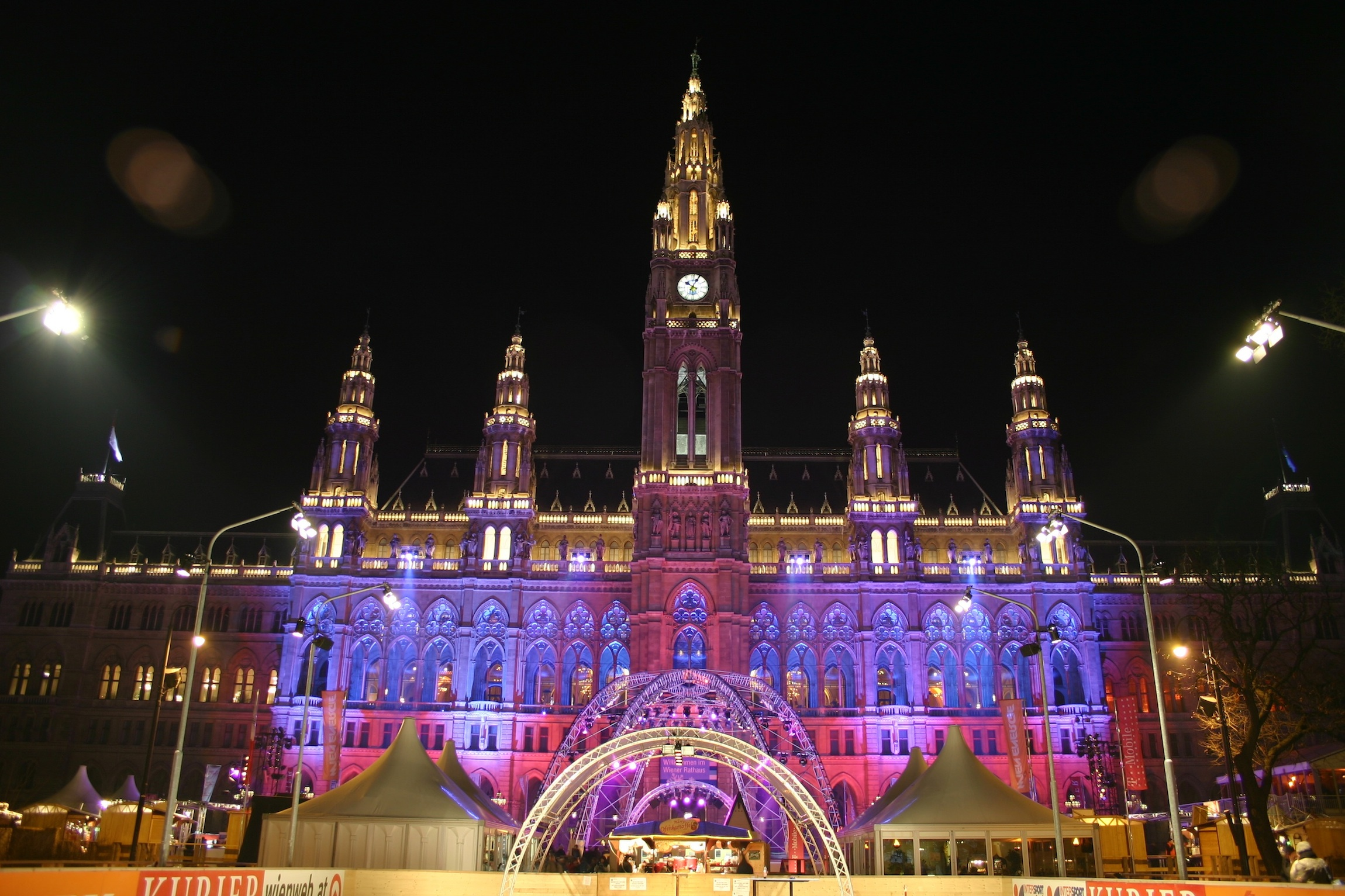 2012 New Year s Eve Gala at the Festsaal of Vienna Town Hall   Blog     Enjoy Vienna s traditional New Year s Eve Gala