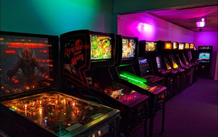 Quarter Lounge Arcade   Retro Video Games   Console Gaming   Dallas  DFW Retro Video Game Arcade From the Past SUMMER HOURS Mon Thurs 12pm 10pm    Fri 12pm 11pm  Sat 10am 11pm   Sun 10am 10pm