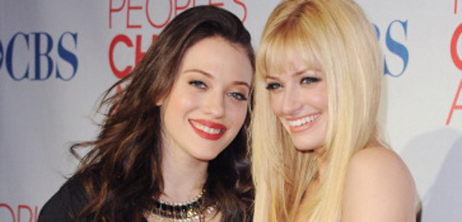 Kat Dennings Beth Behrs Peoples Choice Awards Fashion