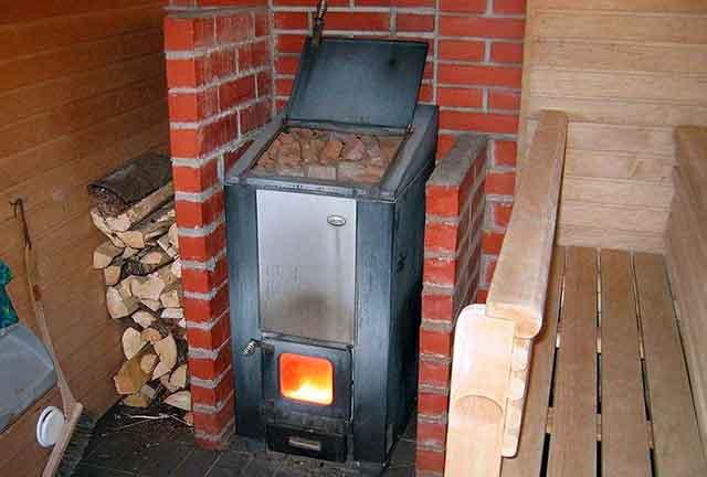 Stufa da bagno su legna da ardere con le tue mani