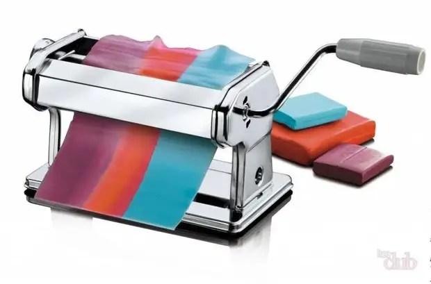 Máquina de pasta para argila de polímero permite que você obtenha transições suaves em tons