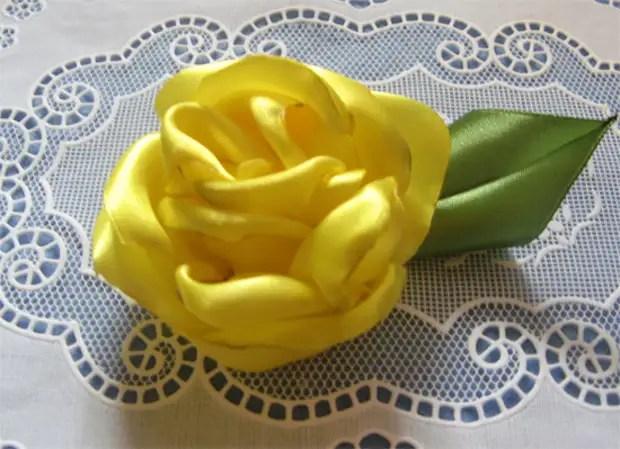 테이프에서 간단한 장미