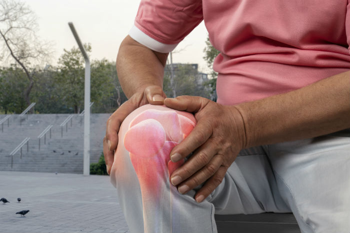 Glendale man with knee pain