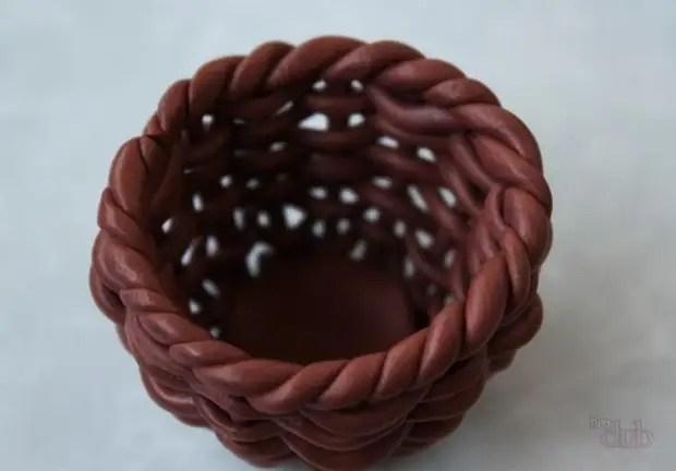 Pigtail de argila de polímero completa com sucesso o caso de cesto de tecelagem