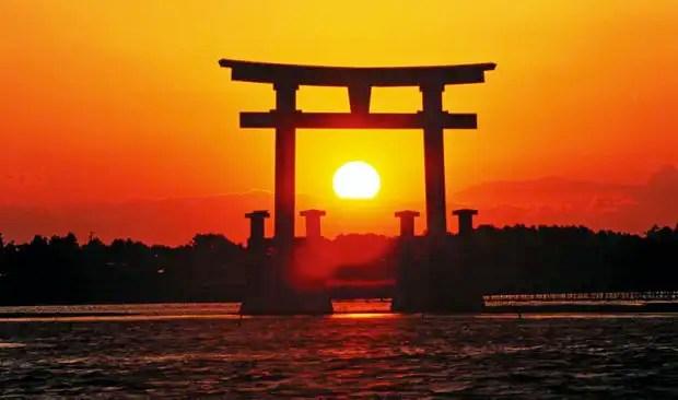 چرا ژاپن کشور خورشید را به شمار می برد