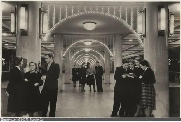 یکی از سالن های کاخ فرهنگ، 1951.