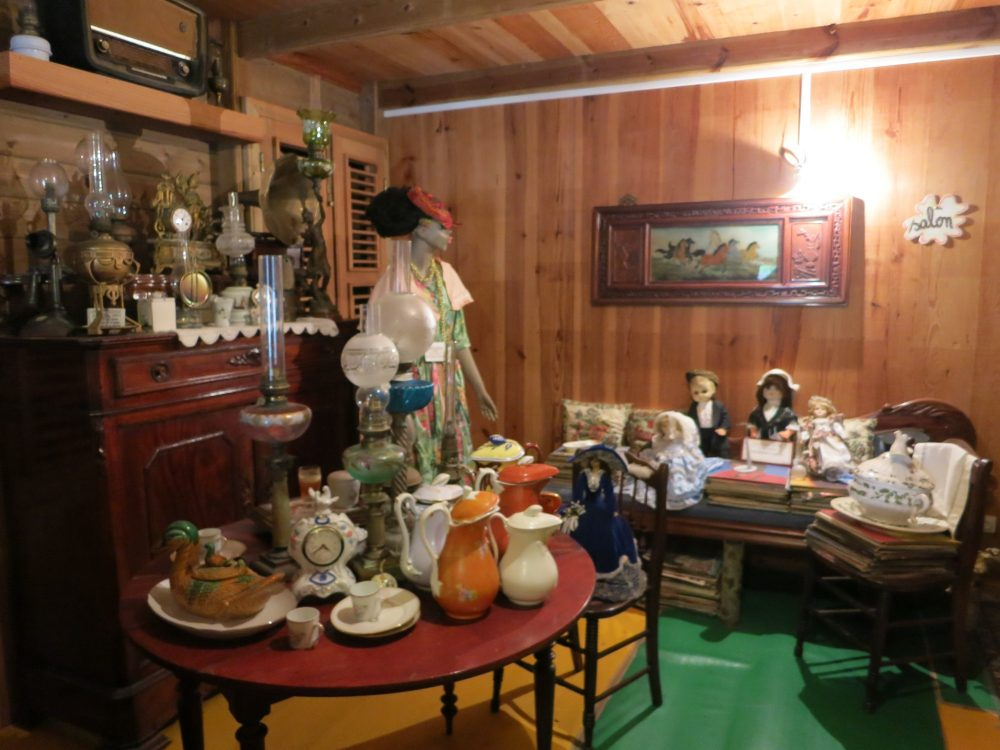 """the """"salon"""" of the plantation house at the Banana Museum"""