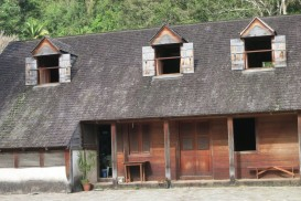 A view of the master's house at Coffee plantation La Grivelière