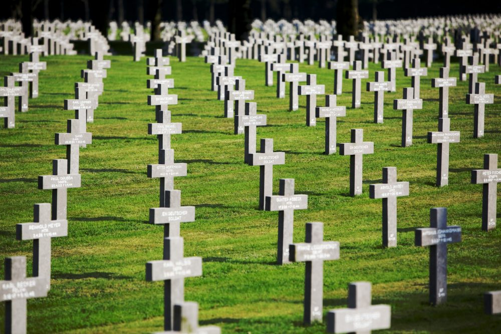 If you travel the Liberation Route Europe, you could stop at Ysselsteyn, in the Dutch province of Limberg: a German World War I and II cemetery. The photo shows rows of cross-shaped gravestones.