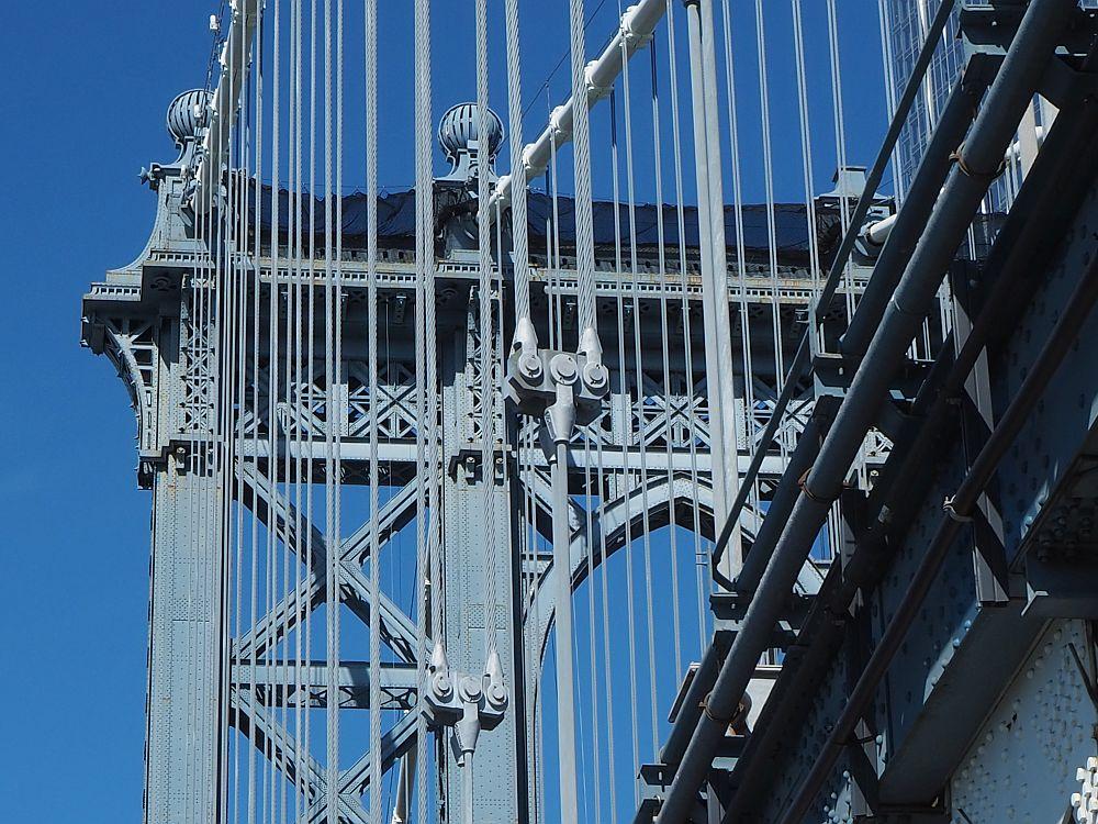 Walking across the Manhattan Bridge & the Brooklyn Bridge