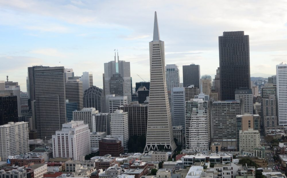 Skyline view of downtown San Francisco, with the Transamerica pyramid in the center.