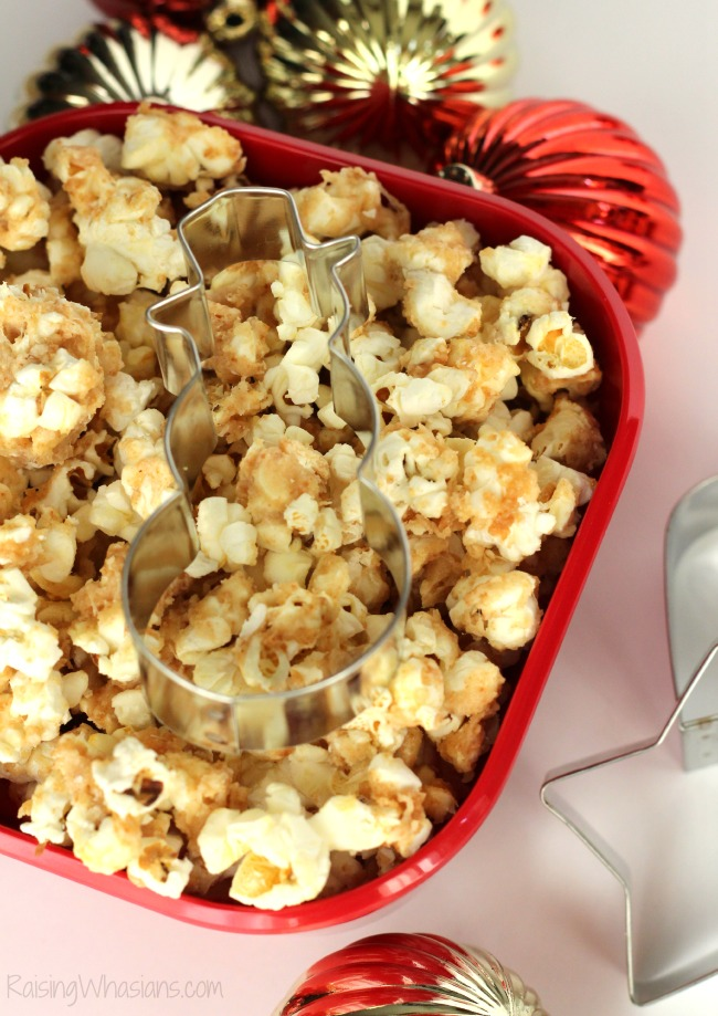 Redbox movie holiday gift idea - Sugar Cookie Popcorn Recipe + Redbox Giveaway   make this festive and easy homemade popcorn for the holidays, perfect for gifting! - This popcorn recipe would be perfect as a teacher gift. #HolidayGift #TeacherGift #Recipe #Snack