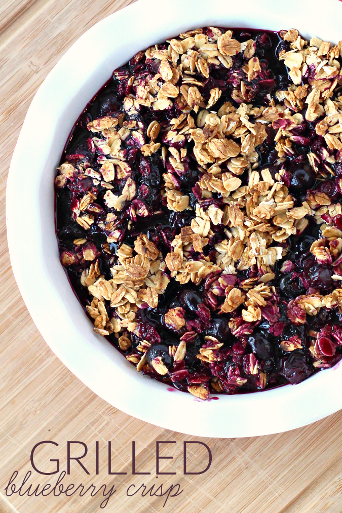 Easy grilled blueberry crisp recipe Fire up the grill for this Easy Grilled Blueberry Crisp Recipe - a perfect dessert idea that's gluten-free, allergy friendly and Fresh from Florida! #Recipe #AllergyFriendlyRecipe #Recipe #FreshFromFlorida #Dessert #GlutenFree