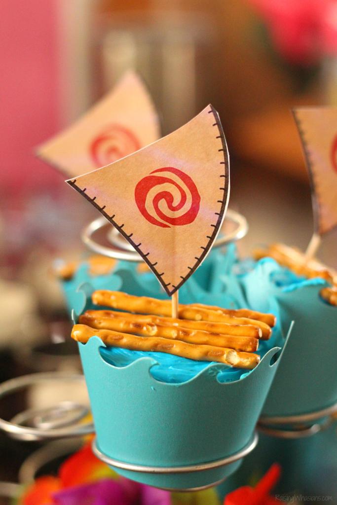 Easy Moana cupcakes